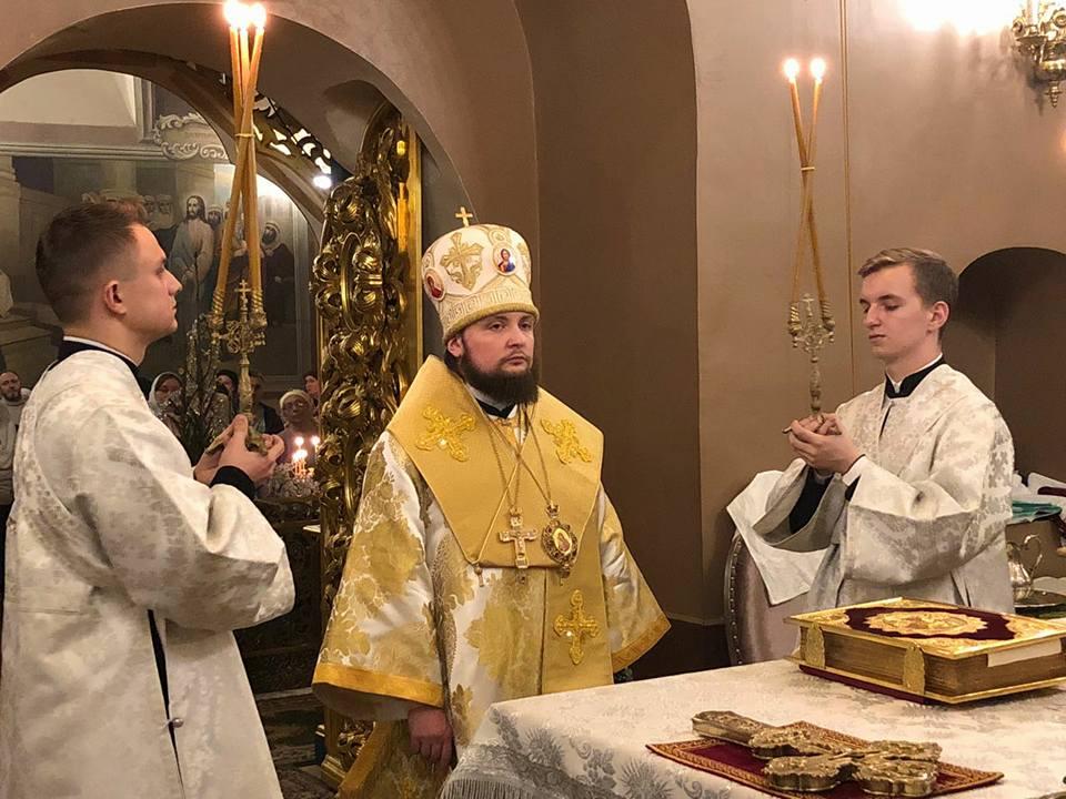 6 января, в канун Рождества Христова, епископ Люберецкий Серафим совершил всенощное бдение в Успенском соборе Крутицкого подворья