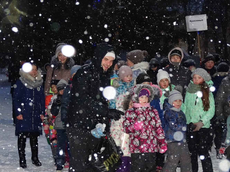7 января в Жигулевске православная молодежь приняла участие в организации общегородского мероприятия, посвященного празднику Рождества Христова