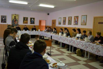 16 марта состоялась встреча Преосвященнейшего епископа Дионисия со студентами и школьниками города Касимова