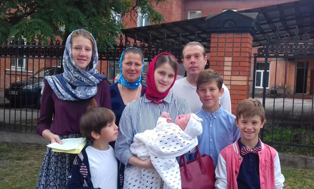 8-июля в-день-памяти-благоверных-князя Петра и княгини Февронии, Муромских чудотворцев, участники Тульского православного молодежного движения, провели акцию «Есть такой праздник!