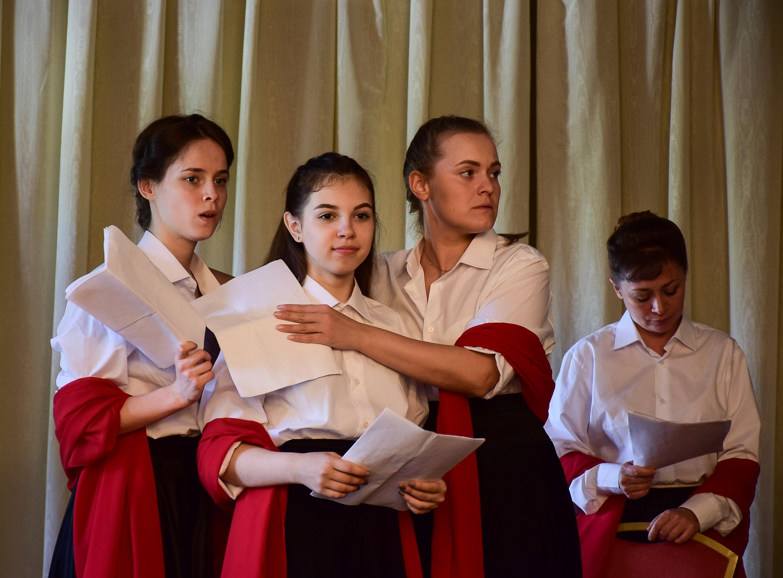 В Екатеринбурге прошла премьера молодежного спектакля о святой Царской семье