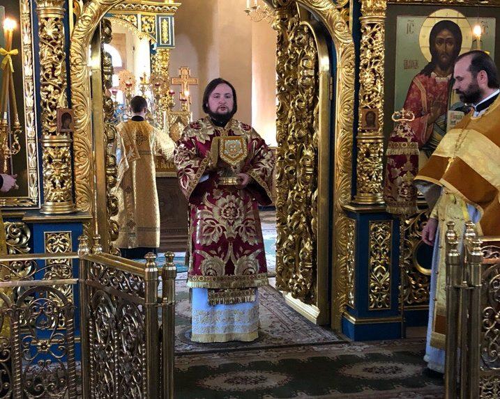 12 июля, в Седмицу 7-ю по Пятидесятнице, праздник славных и всехвальных первоверховных апостолов Петра и Павла, епископ Люберецкий Серафим возглавил Божественную литургию в Успенском соборе Крутицкого подворья.