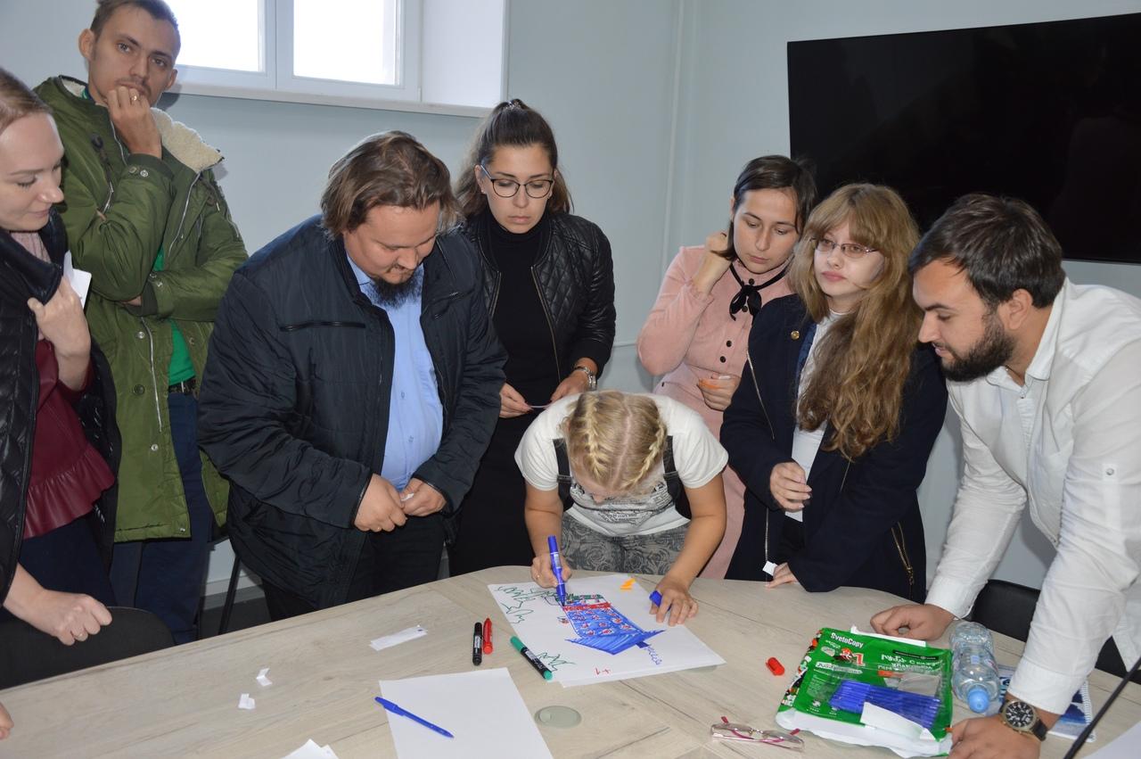 Для активистов приходских молодежек Воронежской епархии провели тренинг по командообразованию
