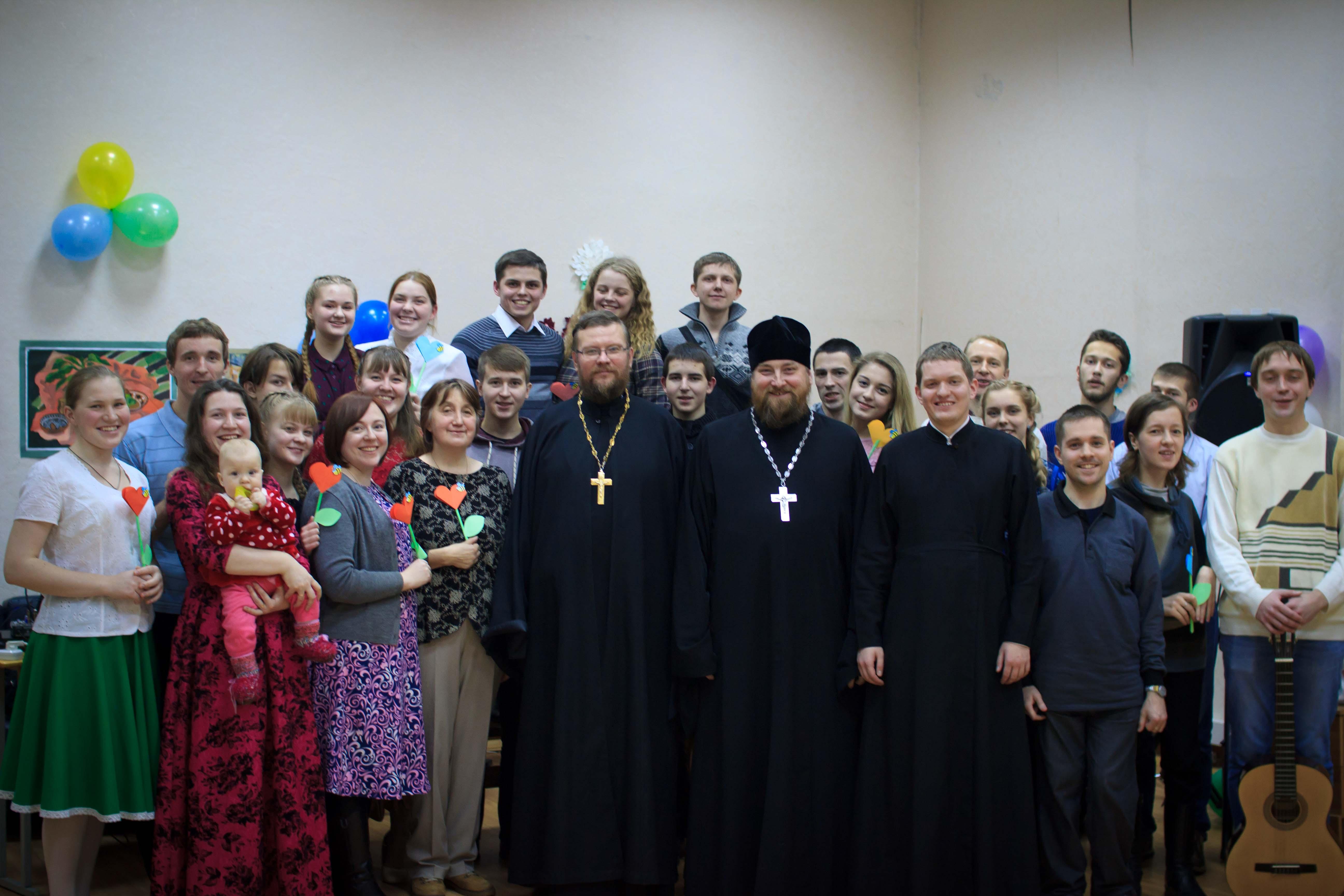 Православная молодежь Вятской епархии организовала творческий вечер, посвященный Дню Матери