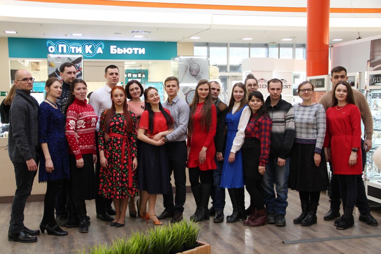 Симбирская православная молодежь приняла участие во всероссийской акции «Память в танце. Случайный вальс».