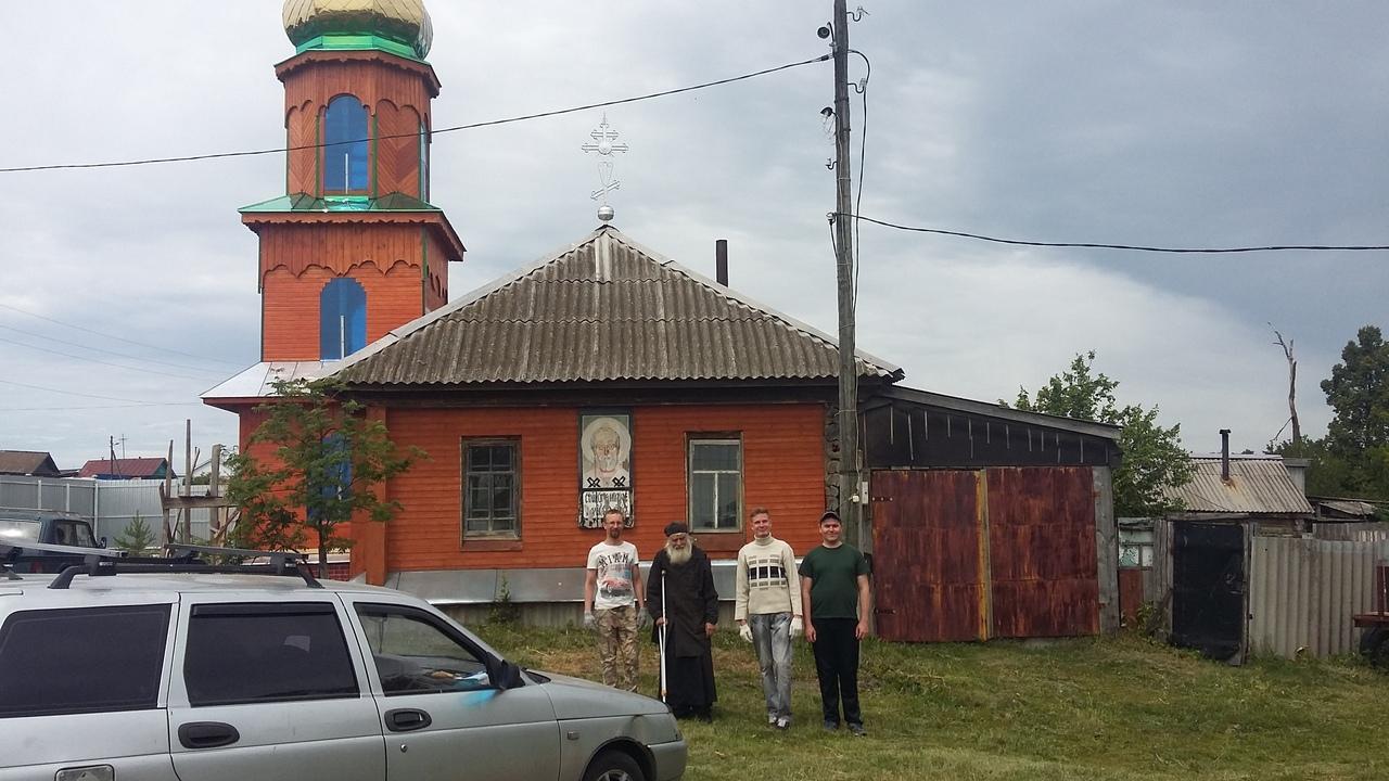 Симбирская православная молодежь совершила очередной трудовой десант в село Чуфарово.